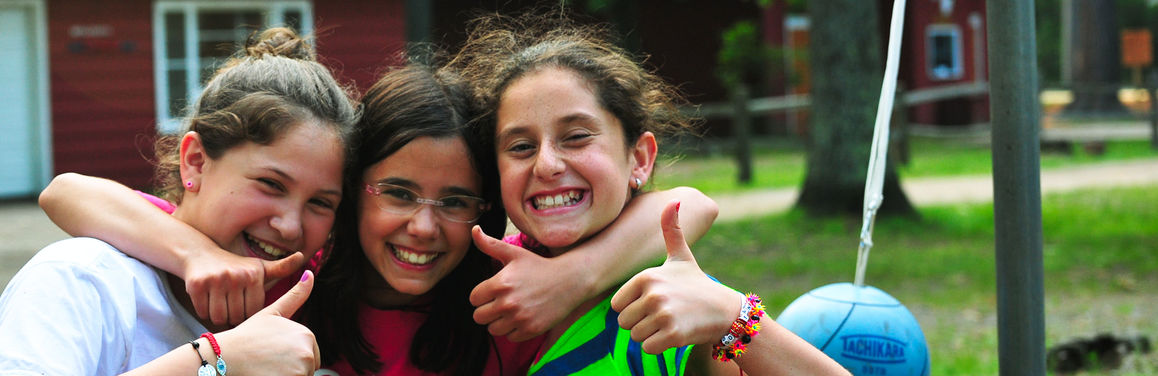 Thumbs-up-for-girls-camp